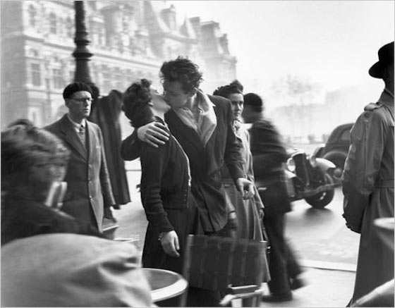 The Kiss by the Hôtel de Ville by Robert Doisneau