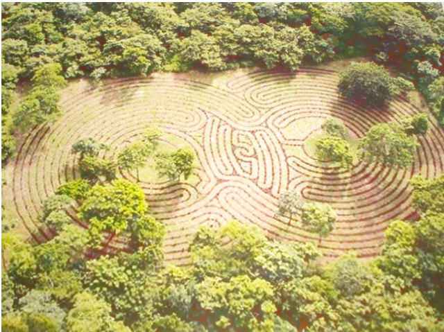 Dobule labyrinth Costa Rica