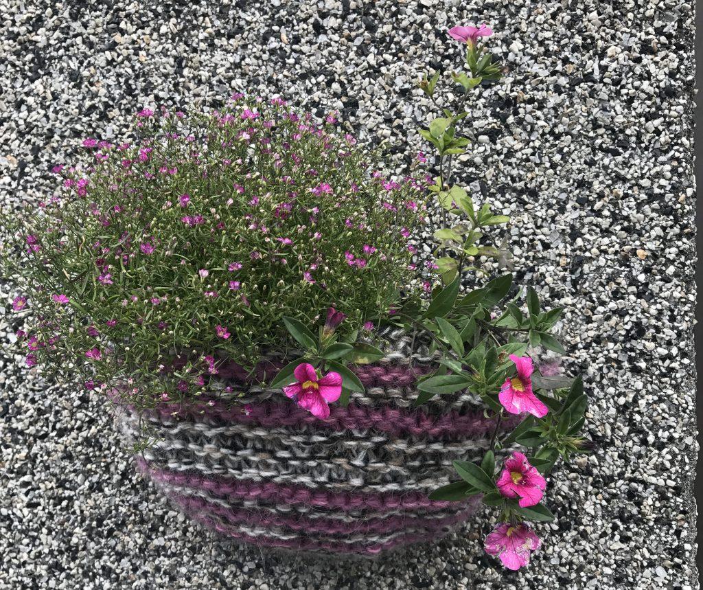 Flower basket 20 Norðurstígur Reykjavík.