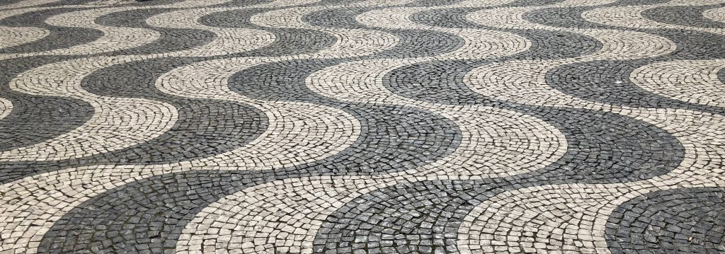 Feng shui of Lisbon Portugal – the Water element in the pavement design